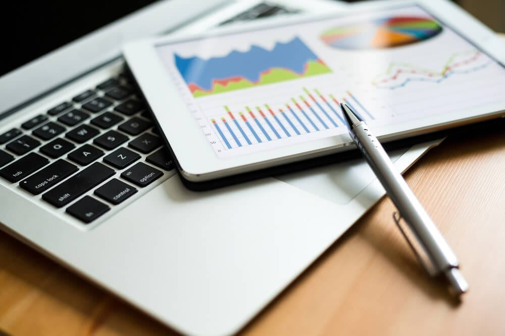 Business analytics on multiple devices